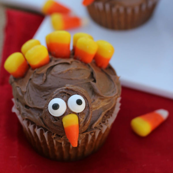 10 Cute Thanksgiving Desserts That Kids Will Love