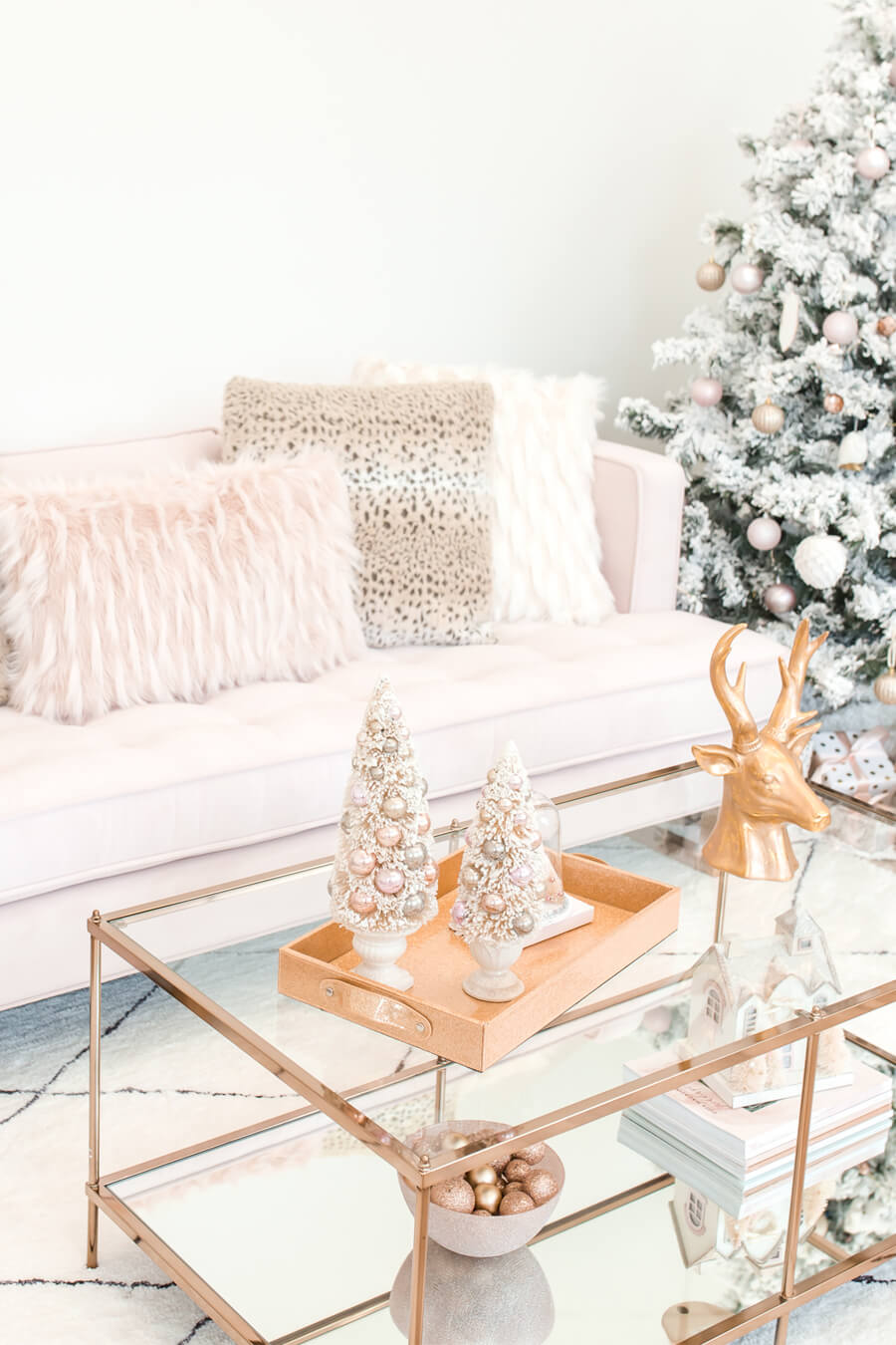 15 Gorgeous Glam Christmas Decorations Chicfetti
