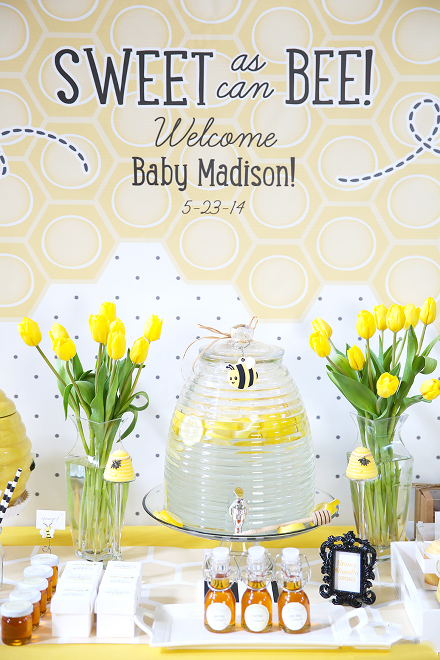 Baby Shower Themes for Girls - Bee Baby Shower