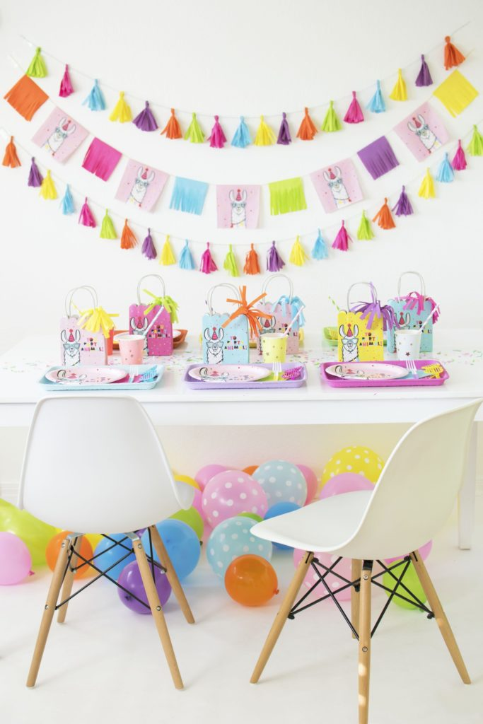 Baby Shower Themes for Girls - Llama Baby Shower